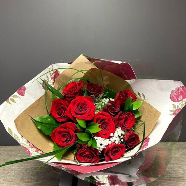 12 roses rouges pour dire Je t'aime!